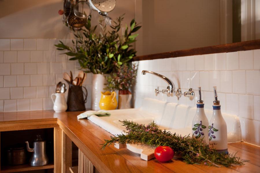 Hepburn springs retreat - Kookaburra Ridge kitchen