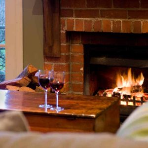 Hepburn springs retreat - Kookaburra Ridge - Cosy up by the fire
