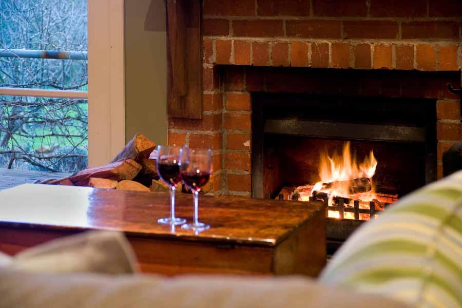Hepburn springs retreat - Kookaburra Ridge - Cosy up by the fire